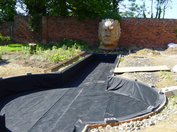 Sealeco epdm liner stephens liners for Pond liner material